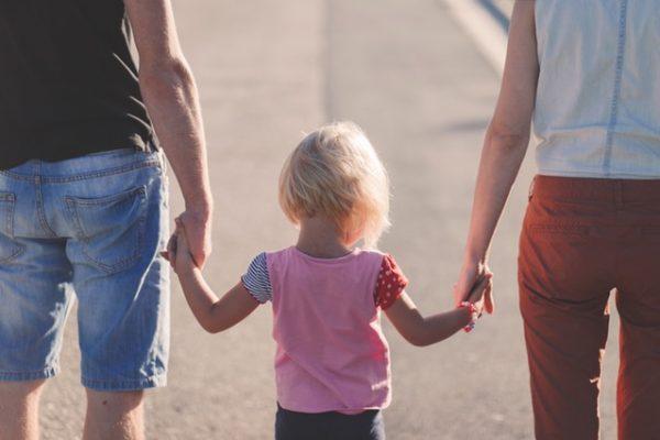 Terapia par i terapia rodzinna. Na czym polega i kiedy z niej skorzystać?